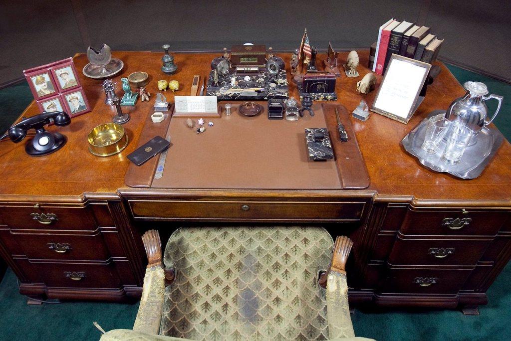 FDR desk